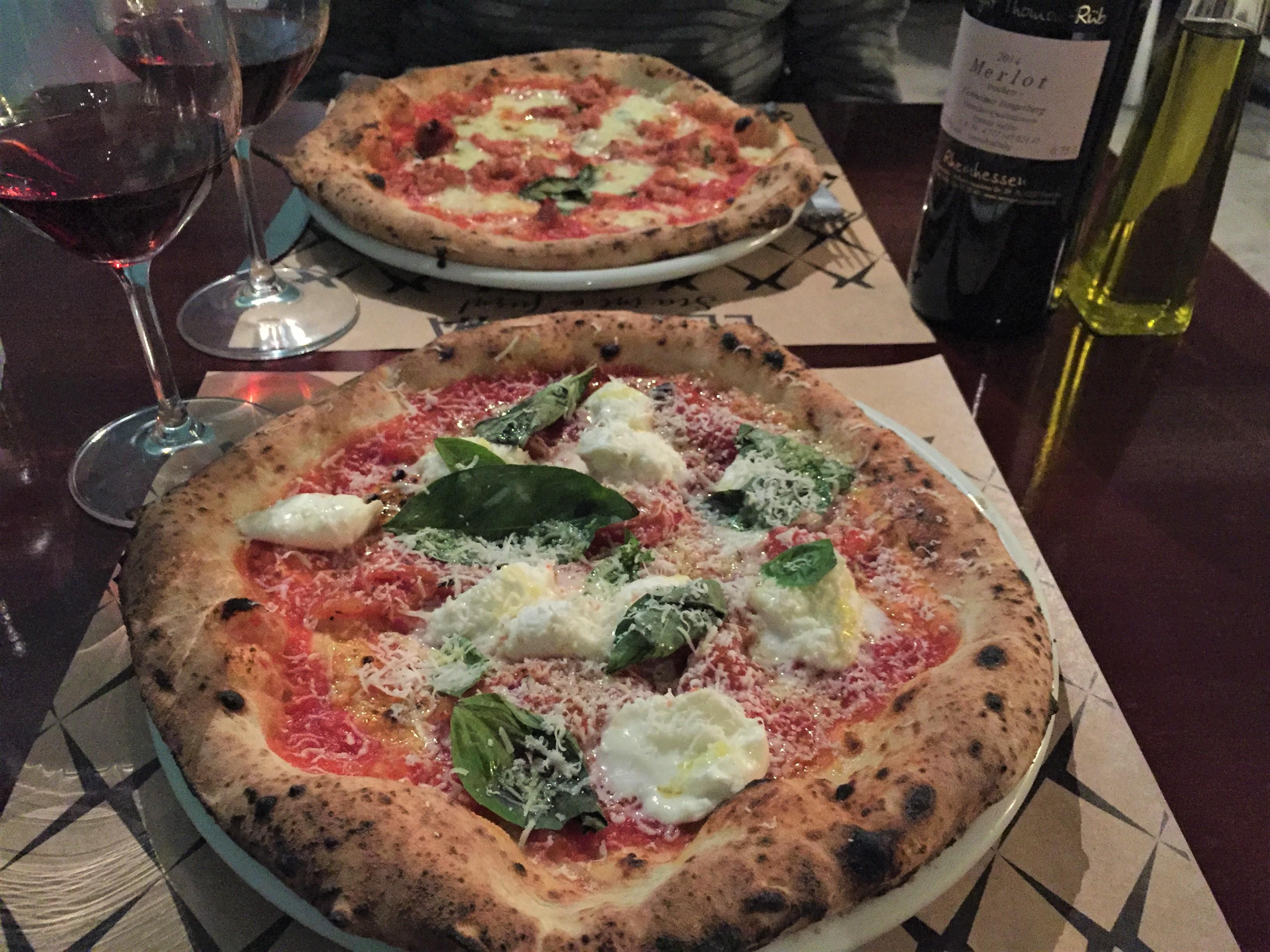 Harmonização vinho tinto pizzas