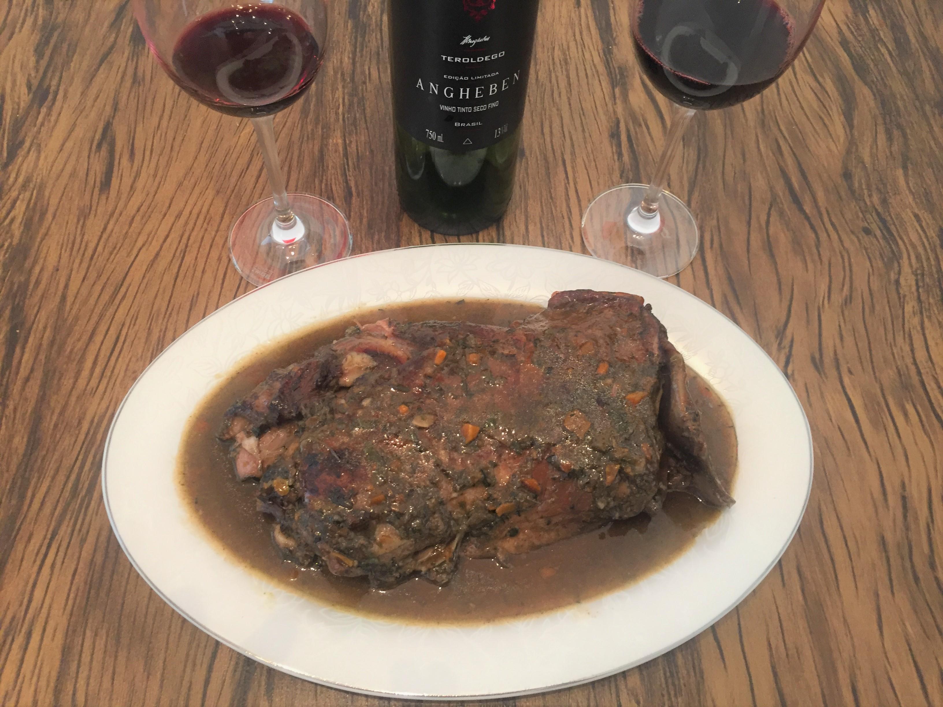 Harmonização paleta de cordeiro vinho tinto