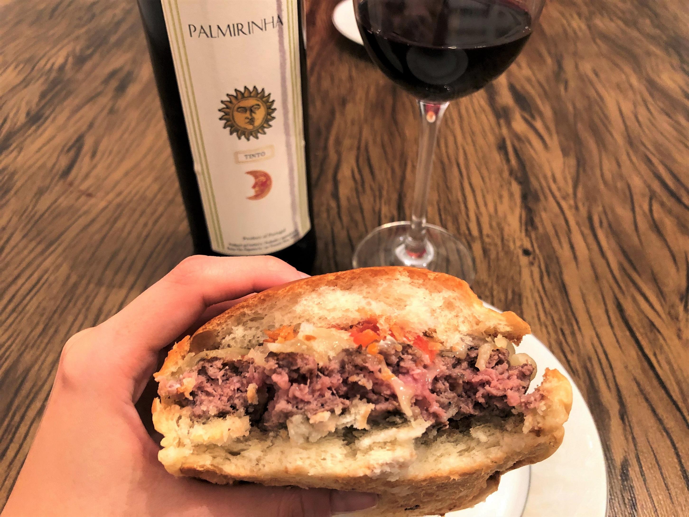 Harmonização vinho verde tinto hamburguer
