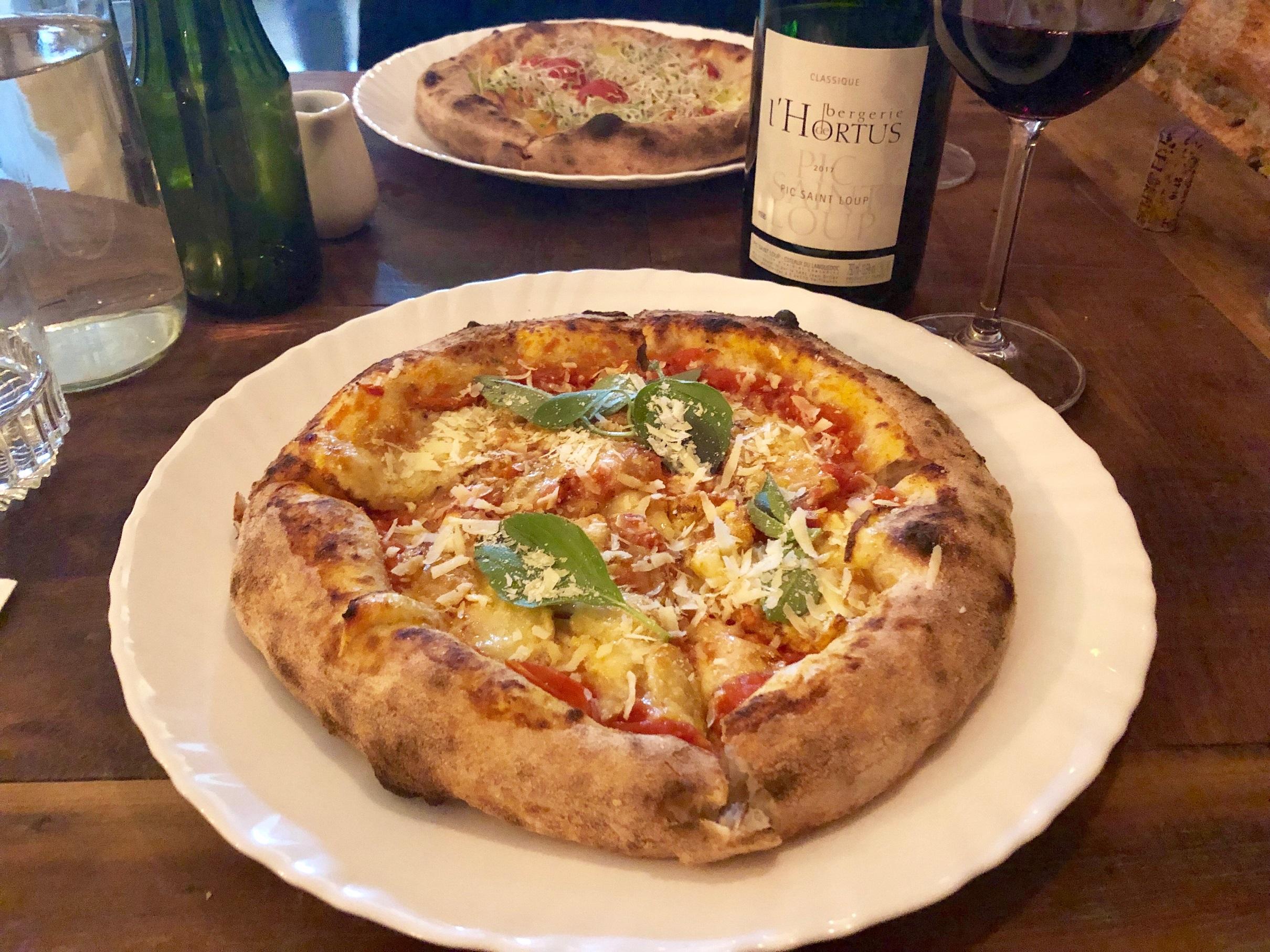 Harmonização vinho tinto pizza